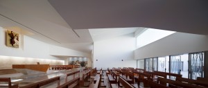 La-Iglesia-de-la-Ascensión-AGi-Architects